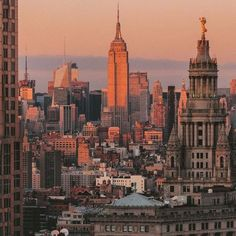 Concrete Jungle by Constantine Onishchenko - Concrete Jungle by Constantine Onishchenko – New York City Feelings Completely new York Resorts along with Warm: New York Life, Nyc Life, New York Art, City Aesthetic, Travel Aesthetic, Building Aesthetic, Concrete Jungle, Empire State Building, Photo New York
