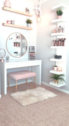 Hollywood Regency Bedroom Design Ideas - Home Decor Bedroom Decor For Teen Girls, Girl Bedroom Designs, Room Ideas Bedroom, Home Decor Bedroom, Teenage Bedrooms, Girl Bedrooms, Diy Bedroom, Bedroom Inspo, Bedroom Inspiration