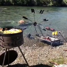 Vintage bushcraft tips that all wilderness hardcore will want to know today. This is most important for wilderness survival and will certainly spare your life. Outdoor Food, Outdoor Cooking, Outdoor Gear, Survival Supplies, Survival Prepping, Wilderness Survival, Survival Gear, Sushi, Food Porn