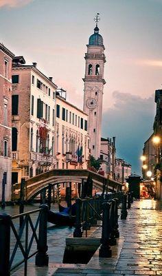 Dusk.. Venice, Italy http://artncity.tumblr.com/post/99806150130/portofino-tempo-da-city-architecture