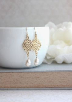 Gold Celtic Knot Earrings. Celtic and Ivory Pear by Marolsha