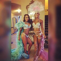 Repost @the_fit_cupcake  About to go on in themed wear! This girl  take me back to Hawaii with you @alyxulbrich PEEZEEEEE! #wbffLAproAM  #wbffpro  #abs #wbff #prep #gym #gymlife #fit #fitfam #fitness #goals #bikinibosschicks  #bodybuilding #eatclean #workout #swole #tattooedandfit #musclesandtattoos #flex #gains #chicksthatlift #liftheavy #igfitness #gymrat #goals #gainz #fitnesscompetitor by alyxulbrich