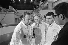 Original Apollo 13 crew Jim Lovell, Ken Mattingly and Fred Haise Apollo Space Program, Apollo 13, Universe Today, Nasa Astronauts, Vintage Space, Space Travel, Life Magazine