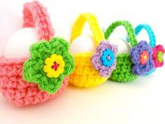 Crochet Little Egg Basket
