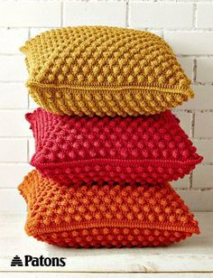 Discover thousands of images about Free Crochet Bobble-licious Pillows Pattern - Crochet Bobble Stitch - 30 Free Crochet Patterns - DIY & Crafts Crochet Diy, Crochet Bobble, Crochet Gratis, Crochet Amigurumi, Crochet Home Decor, Amigurumi Patterns, Afghan Crochet, Crochet Ideas, Crochet Stitch