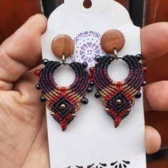 Macrame Earrings, Macrame Jewelry, Crochet Earrings, Paracord, Crochet Stitches, Knots, Instagram, Weaving, Toe