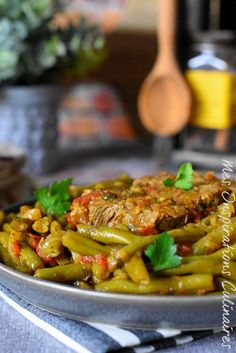 Tajine d'agneau aux haricots verts ou Loubia khadra marka Mexican Food Recipes, Ethnic Recipes, Moroccan Recipes, Plats Ramadan, Yummy World, Cooking Recipes, Healthy Recipes, Culinary Arts, Samar