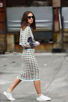 Erika Boldrin how to style stan smith - Trendy Dresses Street Style Chic, Street Style Summer, Street Style Women, Best Summer Dresses, Trendy Dresses, Dress Summer, Daily Fashion, Stan Smith Outfit, Knit Skirt