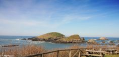 """""""Dos Bois"""" islets at the Porcía beach in Asturias, Spain. A place to share a picnic with your friends, watch the birds, enjoy the sea and the sand!"""