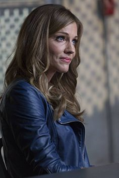 Tricia Helfer in Lucifer Tricia Helfer Lucifer, Hollywood Actresses, Actors & Actresses, Girl Bye, Beautiful People, Beautiful Women, Canadian Models, Female Fighter, Canadian Actresses