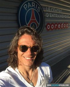 Edinson Cavani Neymar, Messi, Edison Cavani, Football Players, Fifa Football, Psg, Hot Guys, Hot Men, Crushes