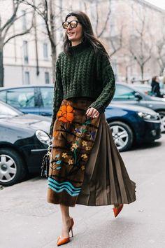 46 Ideas For Fashion Style Italian Giovanna Battaglia Modest Fashion, Skirt Fashion, Trendy Fashion, Boho Fashion, Winter Fashion, Fashion Outfits, Womens Fashion, Estilo Fashion, Milan Fashion