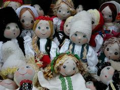 these dolls are made by hand and they are dressed with traditional clothes of many Romanian regions,having kids faces. Traditional Clothes, Hand Puppets, Beautiful Hands, Kids Toys, Doll Clothes, Handmade Dolls, Christmas Ornaments, Bulgaria, Homeland