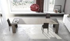 Tavolo in legno allungabile da pranzo disponibile in tante finiture. Austero e rigoroso un prodotto di punta della Riflessi.