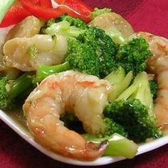 Shrimp, broccoli, and water chestnuts are stir-fried with a combination of soy and oyster sauces in this quick Chinese-style dish.