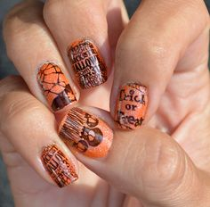 http://nottynormanails.blogspot.nl/2013/10/halloween-orange-nails-sunday-stamping.html