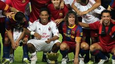 Returning to Camp Nou with Milan, told to get in the Barca team photo