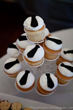 """cupcakes for dad fathers day with ties Can you hear JT in the background singing """"suit & tie""""?"""