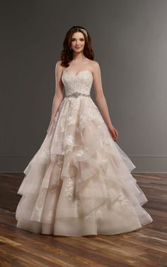 821 Strapless A-line wedding dress with sweetheart bodice by Martina Liana