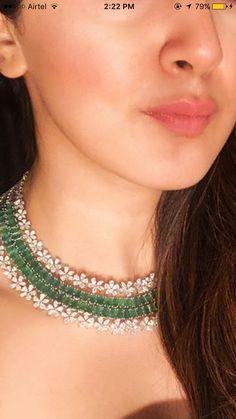 Trendy Jewelry, Jewelry Sets, Fashion Jewelry, Jewelry Necklaces, Jewellery, Indian Wedding Jewelry, Emerald Jewelry, Necklace Designs, Stone Jewelry