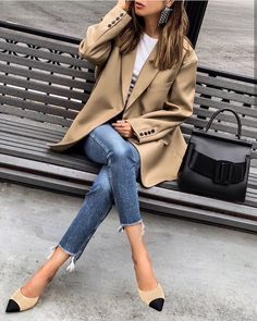 casual outfits for women & casual outfits . casual outfits for winter . casual outfits for women . casual outfits for work . casual outfits for school . Edgy Work Outfits, Jeans Outfit For Work, Summer Work Outfits, Mode Outfits, Work Casual, Fashion Outfits, Fall Outfits, Style Fashion, Denim Fashion