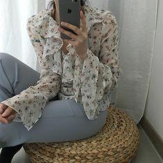 "409 Likes, 4 Comments - @i_ioooo on Instagram: ""봄꽃🌸 #ootd#outfit#dailylook#일상#데일리룩 #selfie#daily#프릴시스루블라우스#아웃핏"""