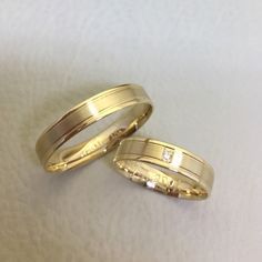 8dd0ba54ef4 Alianças Savassi ♥ Casamento e Noivado em Ouro 18K - Reisman Aliança De  Casamento Quadrada