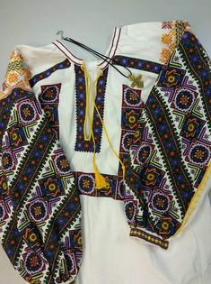 Folk Embroidery, Ukraine, Boho Shorts, Cross Stitch Patterns, Girls Dresses, Womens Fashion, Ua, Flora, Model