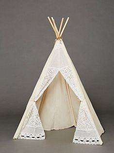 Great gift for kids: canvas and lace teepee