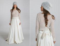 """Résultat de recherche d'images pour """"robe mariée hiver bonnet"""""""