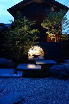 陰影を愉しむ和風モダンな中庭 グリーンステージ 福井県H様邸