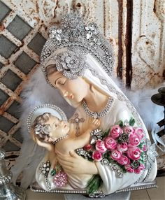 madonna mary plaque religious plaster old vintage chalkware RHINESTONE halo crown jewerly lot GORGEOUS italian Mother Hail Holy Queen, Junk Chic Cottage, Santa Cristina, Blessed Mother Mary, Pink Trees, Angel Statues, Madonna And Child, Catholic Art, Vintage Ornaments