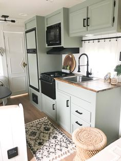 Jayco Campers, Airstream Trailers, Travel Trailers, Rv Kitchen Remodel, Camper Curtains, Camper Kitchen, Trailer Decor, Camper Makeover, Camper Renovation