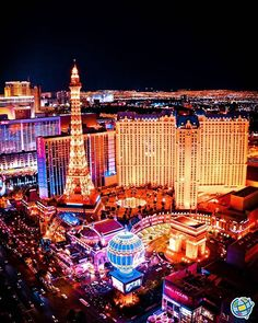 Beautiful night scene of las vegas nevada with lit up resort casino Costa, Poker Party, Poker Night, Slimming World Overnight Oats, Coffee Health Benefits, Las Vegas Nevada, Casino Night, Casino Theme, Picture Design