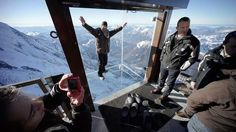 15 Photos The 'Step into the Void' art installation at the Aiguille du Midi mountain peak above Chamonix offers a breathtaking look over the French Alps. Harry Potter Film, Chutes Victoria, Haute Marne, The Mont, Chamonix, Dump A Day, French Alps, Thing 1, Parc National