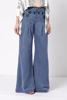 Sailor-style trousers - so beachy!