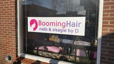Booming Hair raamsticker