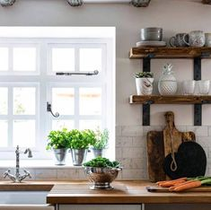 This product is for Non-Lipped Brackets (Set of two). Choose your Depth to complete your purchase. For more variations of depth & thickness Plasterboard Wall, Metal Shelf Brackets, Metal Shelves, Industrial Style Kitchen, Industrial Metal, Oak Mantel, Kitchen Lighting Fixtures, Wall Installation