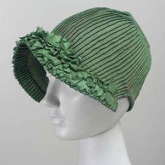 Such a great mix of textures in this Regency era bonnet. ⠀ .⠀ Woman's bonnet, corded green silk, early 19th century, MFA Boston 43.1585⠀ .⠀ .⠀ .⠀ .⠀ .⠀ #empirefashion #regencyfashion #regencystyle #janeaustenstyle #regencyera #1800s #1800fashion #historicalfashion #originalvintage #museumobject #antiquedress #pride&prejudice #janeausten #regency #empire #bonnet #regencybonnet #regencyhat