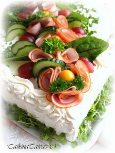 Anten ristiäisjuhlien kinkkuvoileipäkakku - TaikinaTaivas - Vuodatus.net - Sandwich Cake, Buffet, Appetizers, Food, Cheesesteak, Savory Snacks, Pai, Fiesta Party Foods, Food Cakes