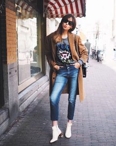 Fashion Blogger, A Dash Of Fash wears cream ankle boot 'Ringo' by Kurt