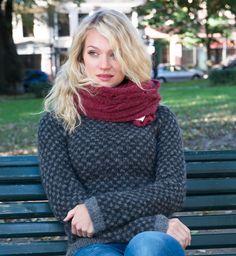 blå genser strikket dame knuter