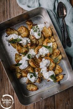 litistetyt uuniperunat / Hannan soppa Raw Food Recipes, Veggie Recipes, Indian Food Recipes, Vegetarian Recipes, Cooking Recipes, Healthy Recipes, Easy Cooking, Healthy Cooking, Healthy Snacks