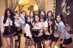 Ulzzang Girl, Squad, Best Friends, Celebrities, School, Girls, Instagram Posts, Women, Friends