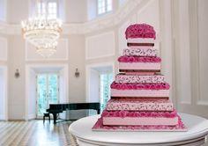 Pink roses wedding cake - Cofetaria Dana https://www.facebook.com/cofetariadanaturda http://cofetariadana.ro/