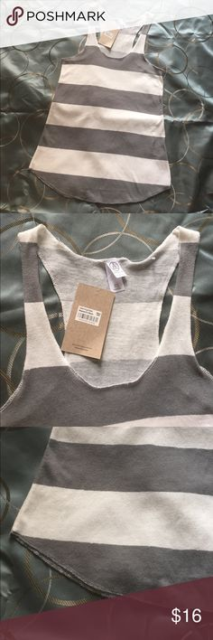 """Alternative Earth size XS tank top NWT Pit to pit 14"""" , Length 25"""" Alternative Tops Tank Tops"""