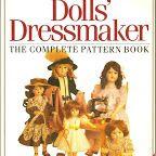 montones de libros con ropa para muñecas https://picasaweb.google.com/103888655416793214432