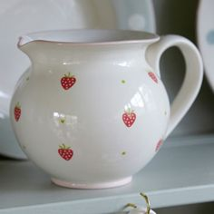 Pottery jug rose strawberry - want this!!!!