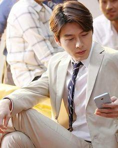Hyun Bin 현빈 What a man, what a man, what a mighty fine man! Hyun Bin, Korean Star, Korean Men, Asian Men, Asian Boys, Korean Celebrities, Korean Actors, Celebs, Korean Dramas