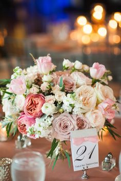 pretty pink + white centerpiece | Scobey Photography